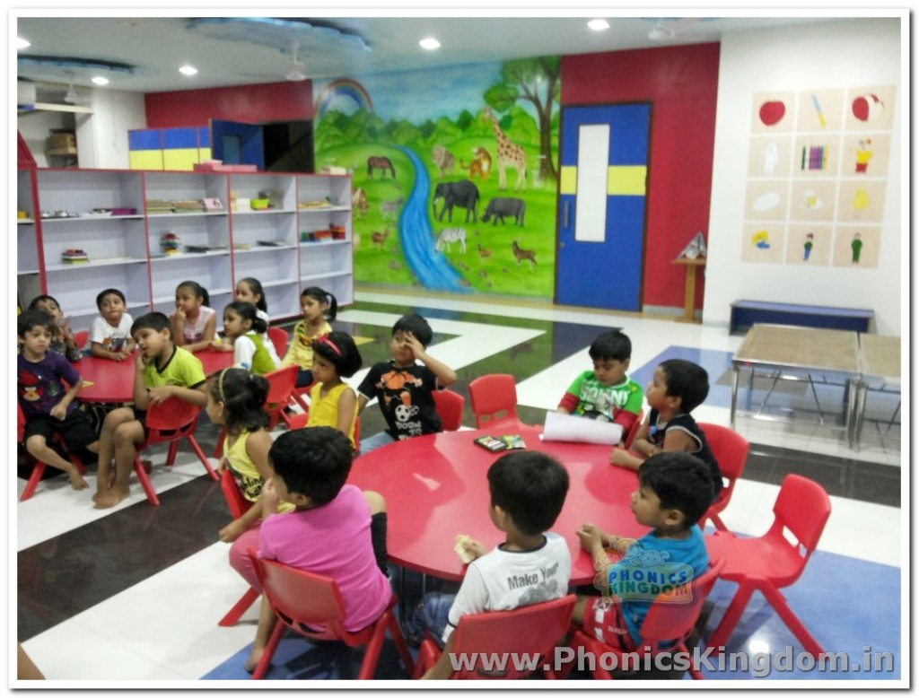 Jolly phonics class for kids at thane branch